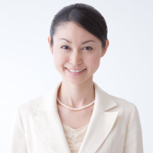 モデル岡田 知子