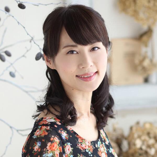 モデル平野 公仁江